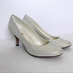 Call it spring white small heels